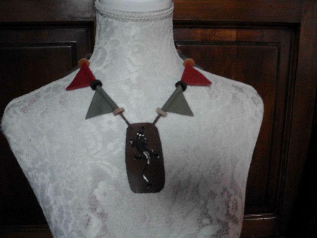 collier cuir metal